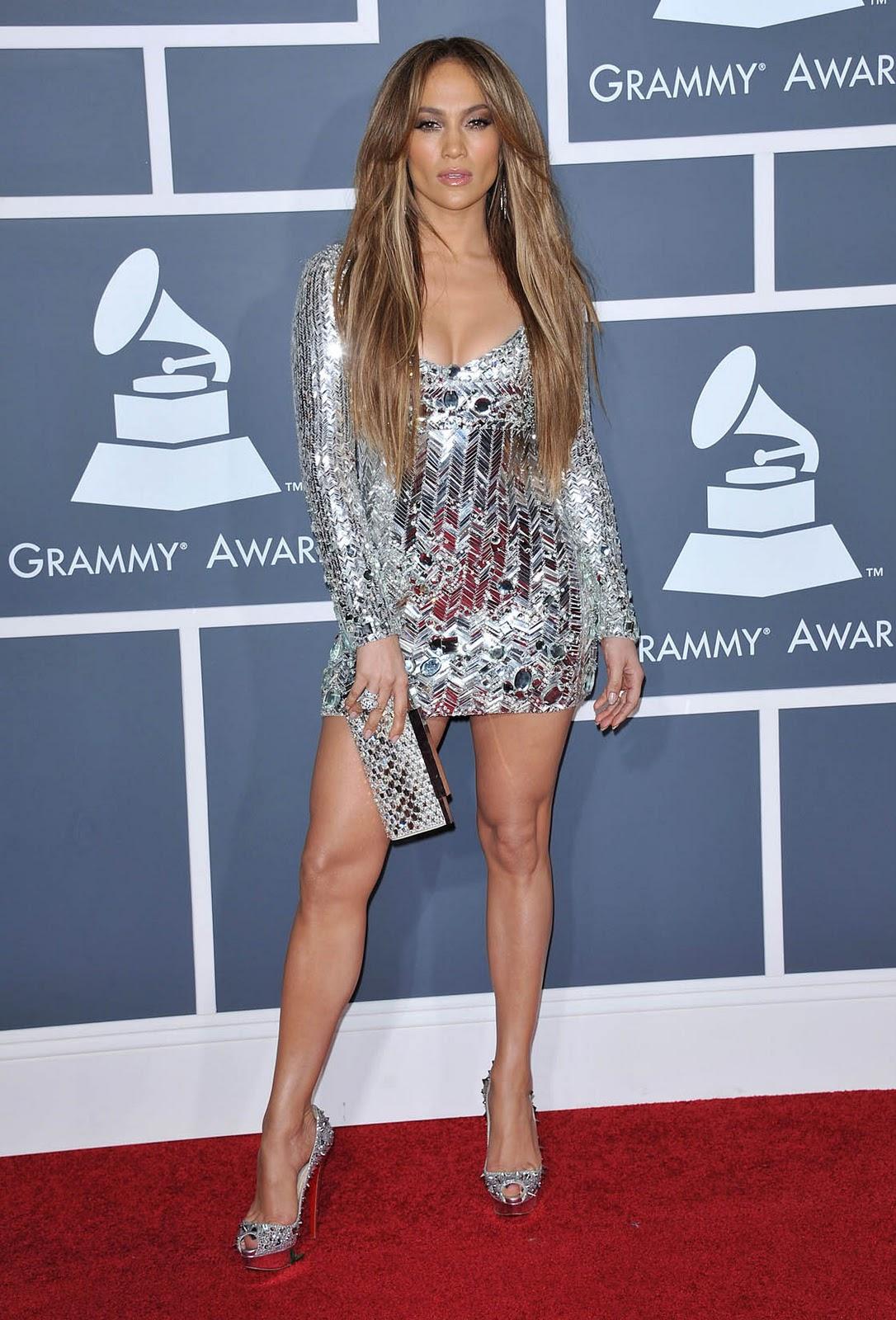 http://1.bp.blogspot.com/-L7G7UtWDHAE/TVohxvEn-LI/AAAAAAAAGlM/R-rInj-aRsc/s1600/jennifer_lopez_grammy_dress_5.jpg