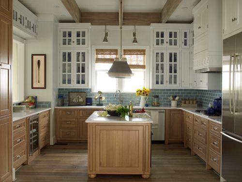 Gentil Phoebe Referred To The Finish That Andrew Howard Used In The Coastal Living  Idea House Kitchen As Fumed Oak Cabinets. Iu0027ve Also Been Seeing This Used  On ...