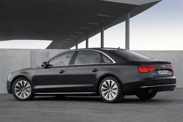 2013 Audi A8 L Sedan Back Exterior