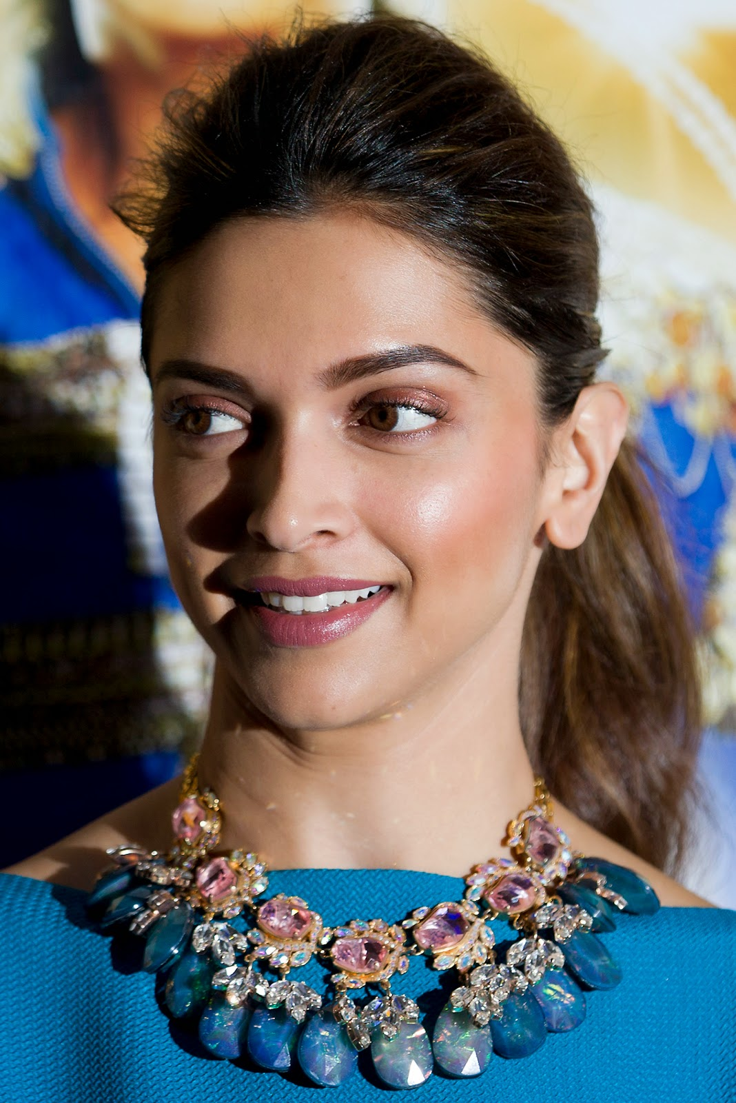 Shah Rukh Khan, Deepika Padukone promote 'Happy New Year': HD Pictures