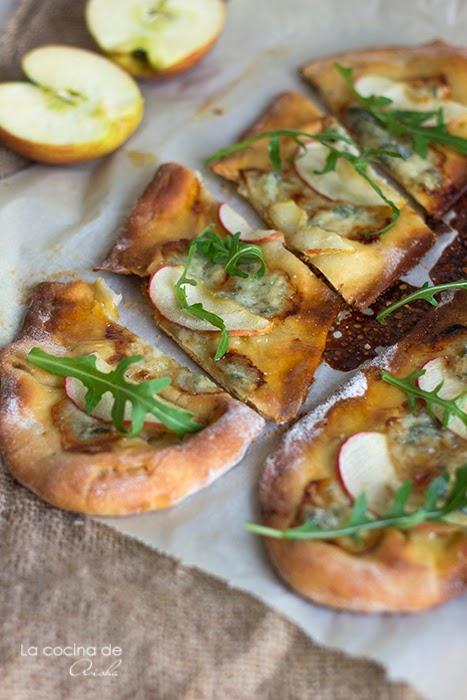 Pizza Crujiente De Manzana, Gorgonzola Y Miel