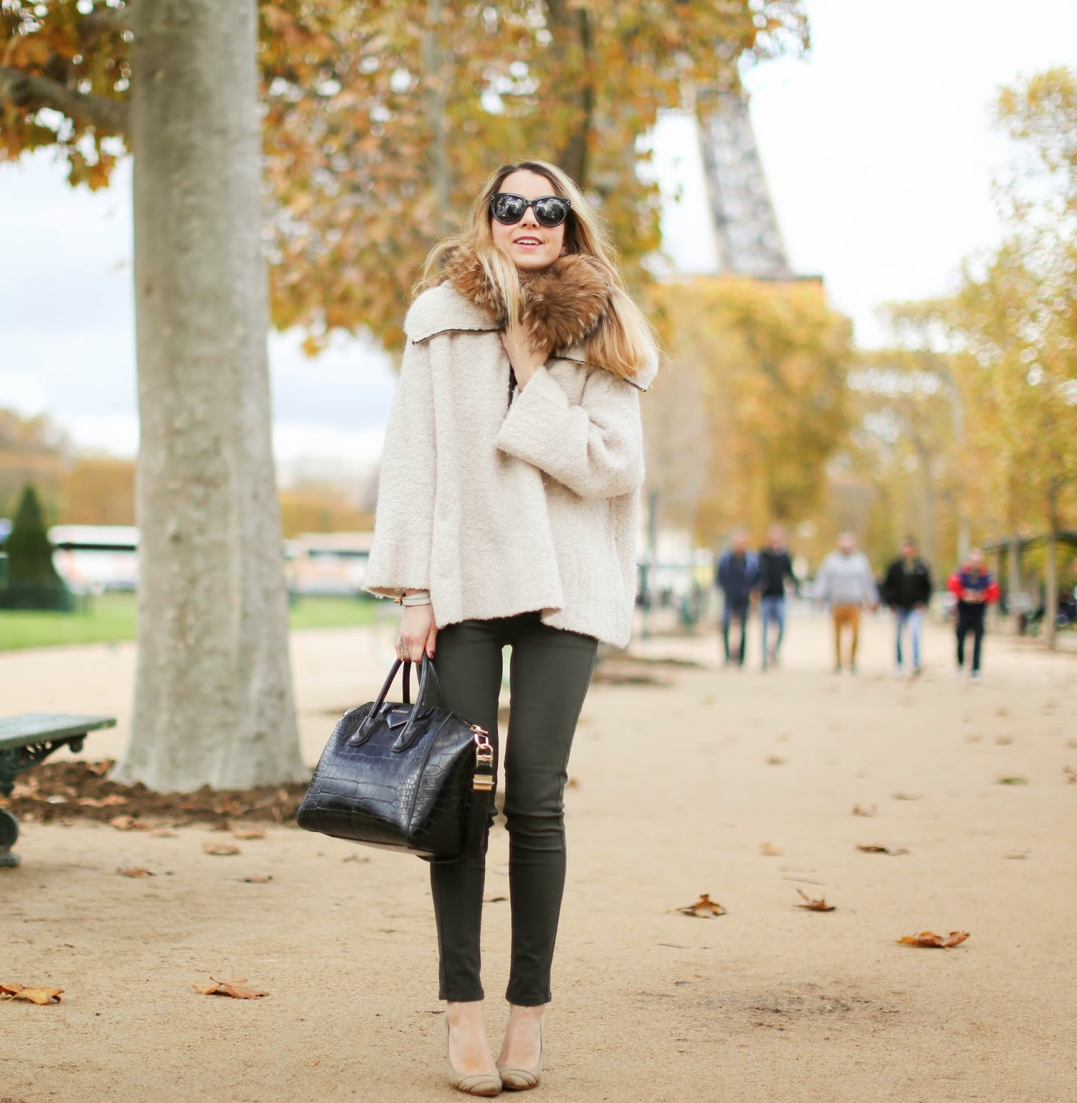 léon&harper, oasis, khaki jeans, fur, iro, givenchy, eiffel tower, streetstyle, paris, fashion blogger
