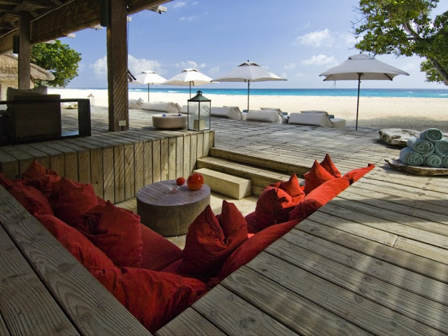 Picture of the sitting area on the beach