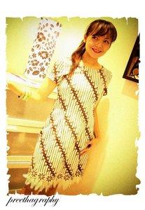 Model Baju Batik Modern Terbaru 2011 Contoh Busana Untuk Pria/Wanita ...