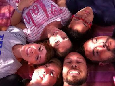 Eli, Ale, Dani, Sara, Ste e Paola sotto l'ulivo secolare di Monte Pedru, Perfugas, Sassari, Sardegna