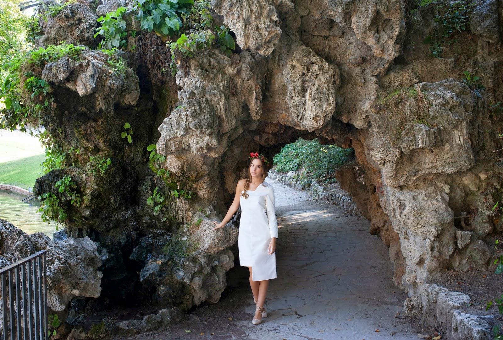 vestido novia corto asimétrico