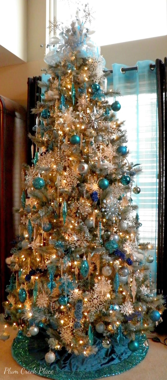 Teal and aqua snowflake Christmas tree