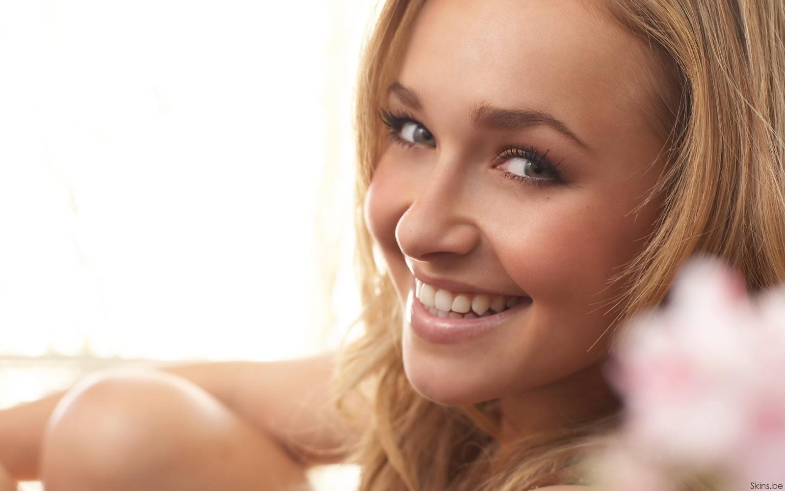 http://1.bp.blogspot.com/-L8aidUGfQ24/UFxuHNcbjWI/AAAAAAAAM0M/MrEK7kE3h-Q/s1600/hayden-panettiere-smiles-wallpaper.jpg