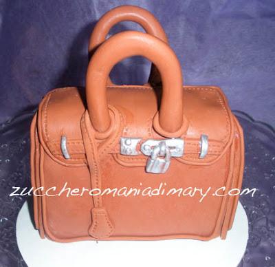 torta griffata hermes moda