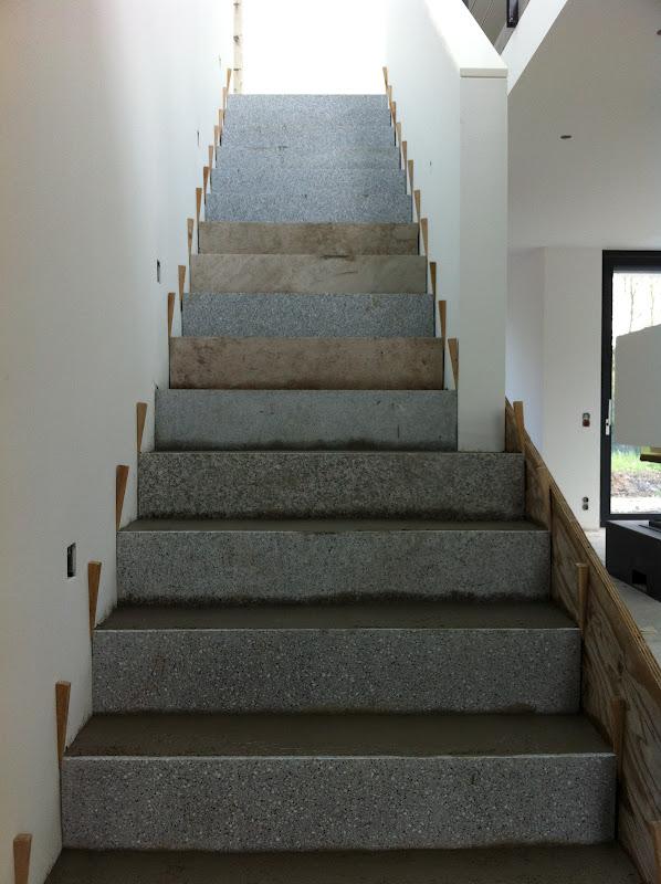 beton cire oberfl chen in beton look sanierung einer betontreppe in arbeitsschritten. Black Bedroom Furniture Sets. Home Design Ideas