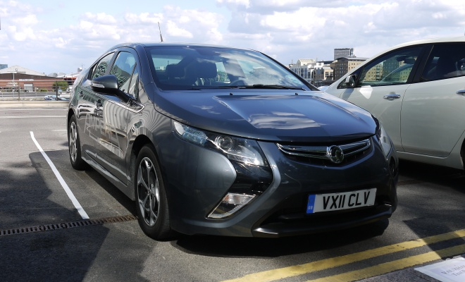 Vauxhall Ampera front view