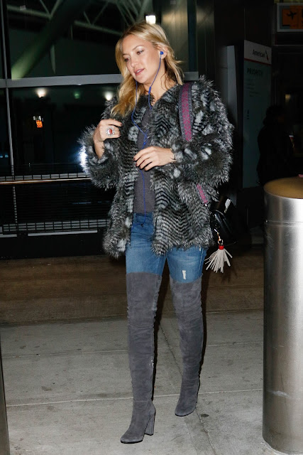 Actress, @ Kate Hudson - at JFK airport in New York