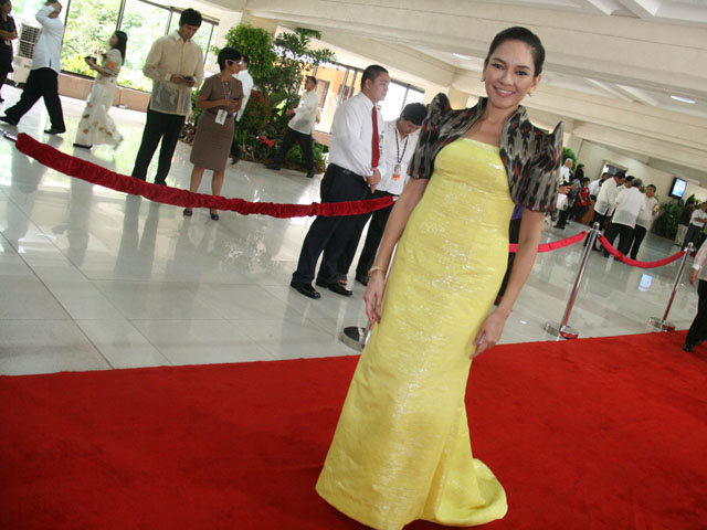 Philippine Fashion At Sona 2012 Designer Clothes