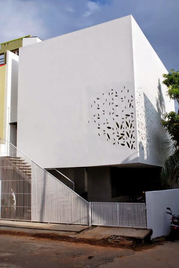 BANGALORE MODERN HOME DESIGN WITH SIMPLE CUBE STYLE AND A WHITE ...