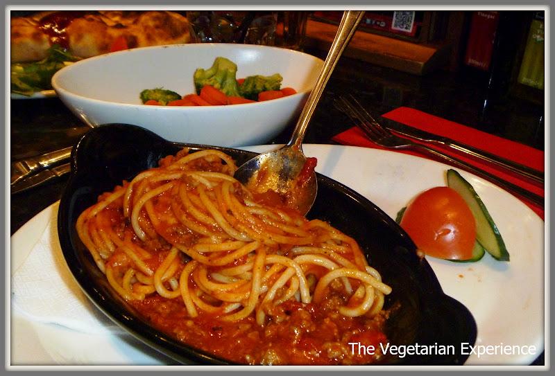 bolognese egi s bolognese sauce five minute spaghetti loves spaghetti ...