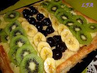 Tarta de frutas frescas y hojaldre