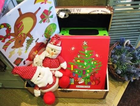Baul. Caja motivos navideños y muñecos Navidad