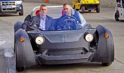 Το πρώτο 3D-τυπωμένο αυτοκίνητο στον κόσμο παρουσιάστηκε στο Σικάγο
