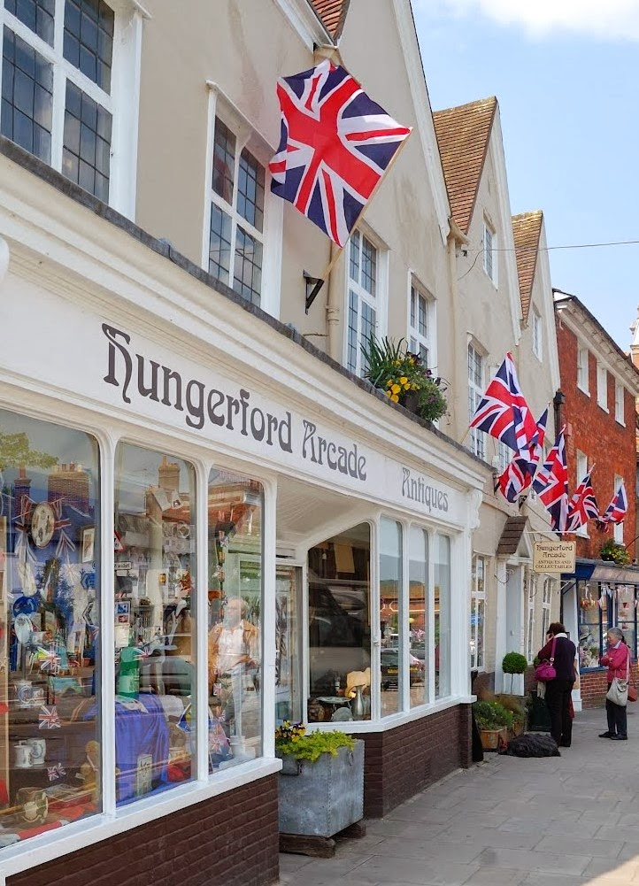 HUNGERFORD ARCADE ANTIQUES & COLLECTABLES