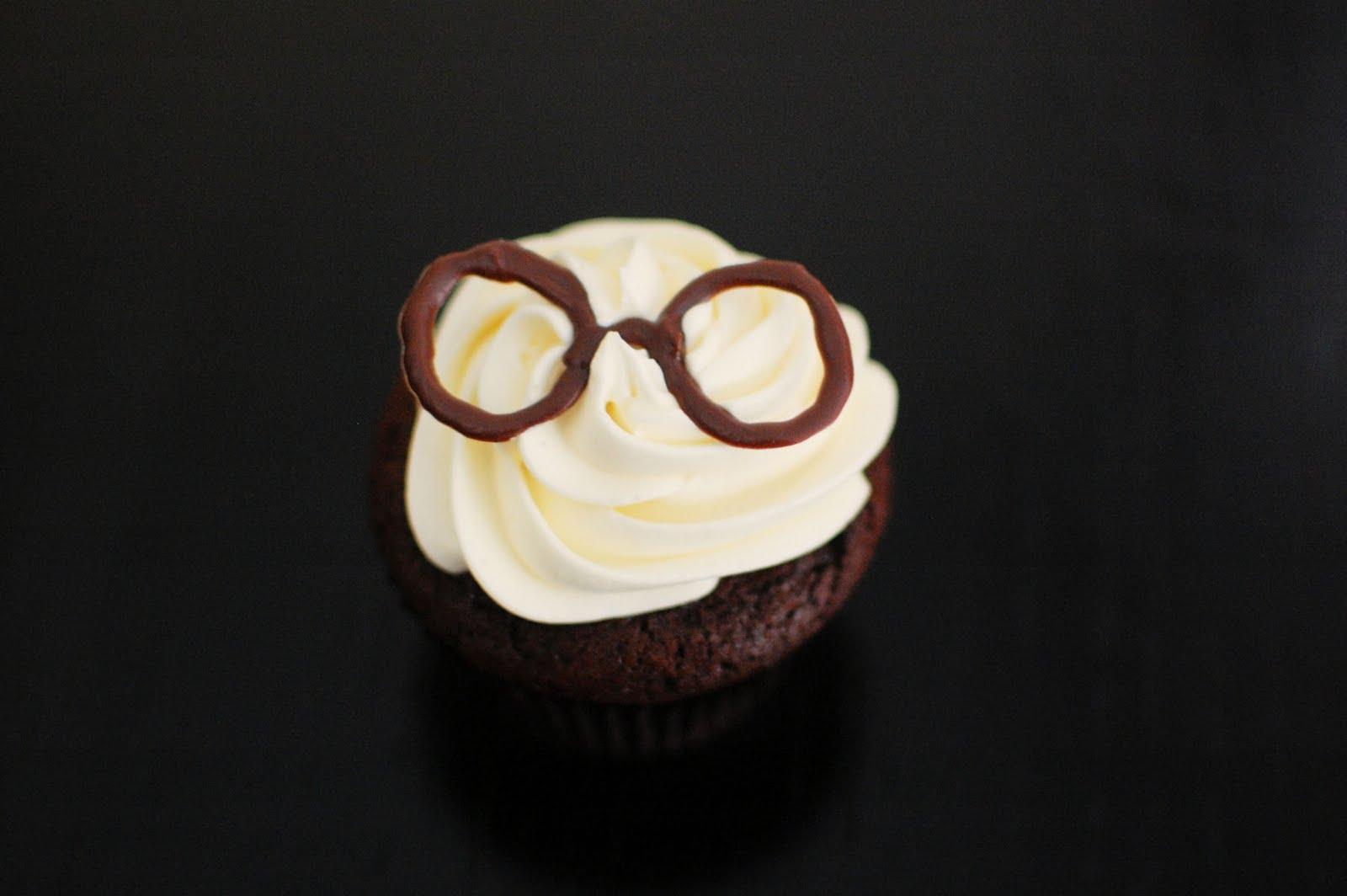 http://1.bp.blogspot.com/-L9RYIVx04cg/TholjbBgzvI/AAAAAAAAHMg/3pqDzhpsSqQ/s1600/harry-potter-cupcakes-3.jpg