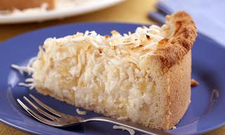 Torta cremosa de abacaxi e coco light