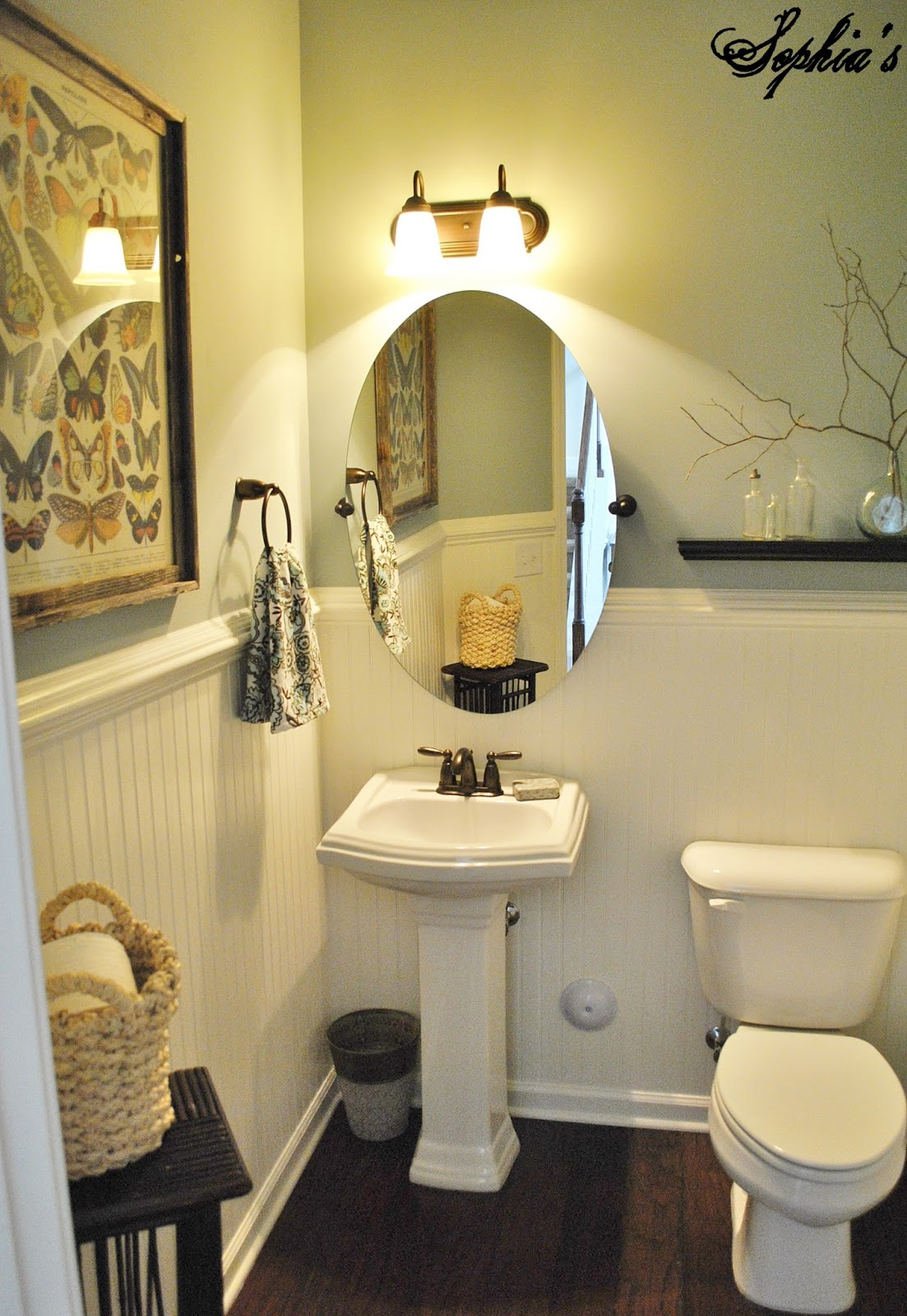 Sophia 39 s powder room makeover for Bathroom powder room designs