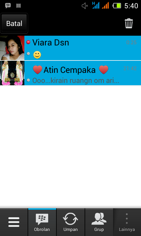 Menghapus chat bbm android