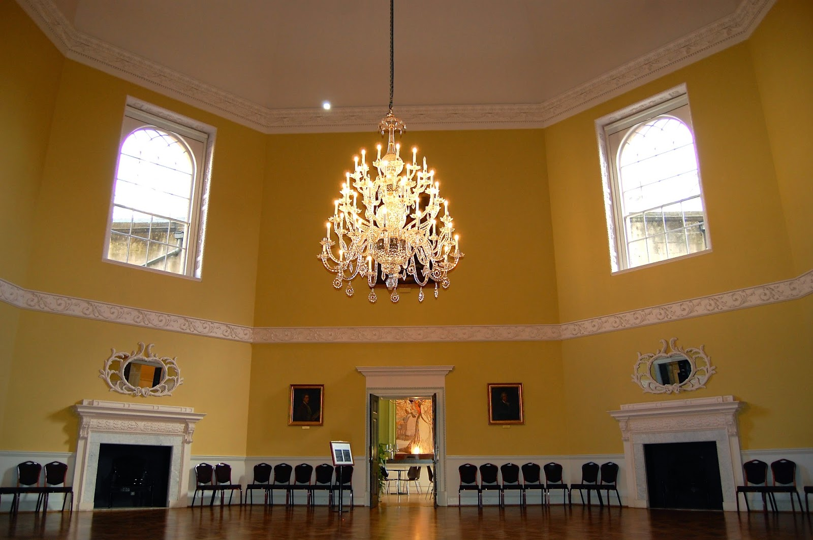 Octagonal room in the Assembly Rooms