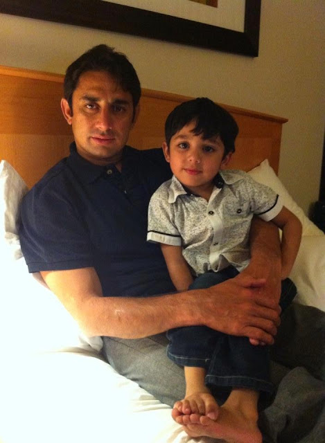 Pakistan Celebrities Saeed Ajmal With His Cute Kids