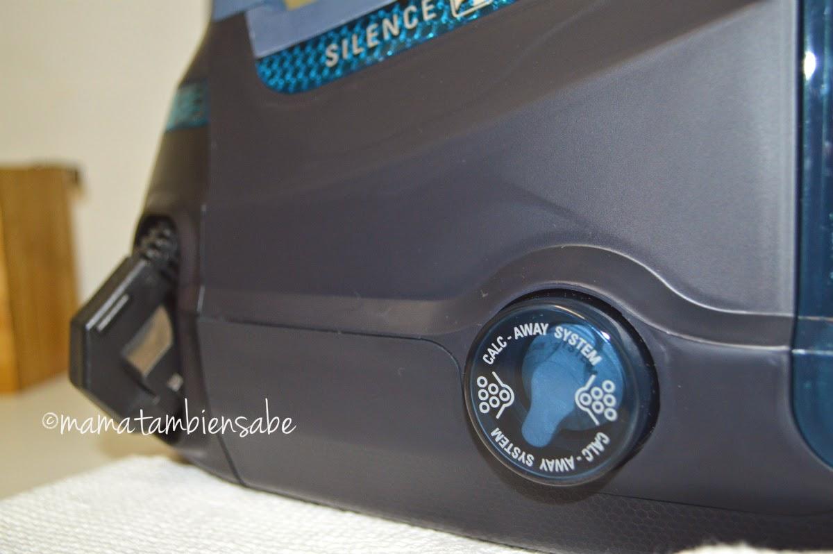 La tapa visible en el lado (utilizada como colector de cal, aclarado de cal, etc.) para el mantenimiento