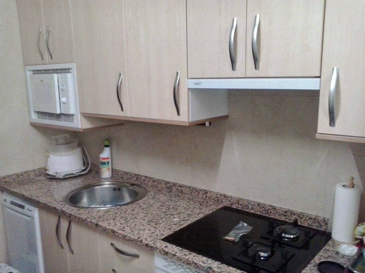 Remates de encimeras de cocina cocinas con encimeras de - Cuanto cuesta una encimera de cocina ...