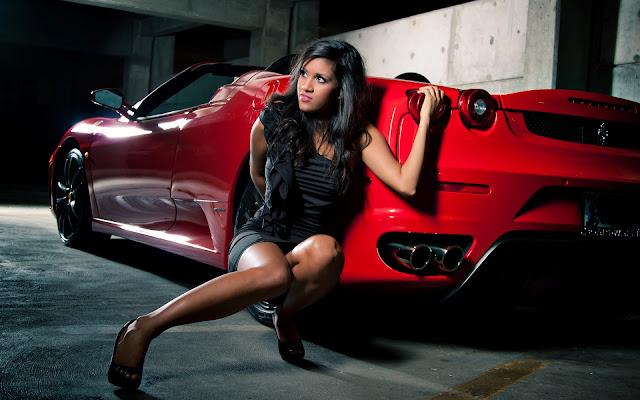 Ferrari Rojo y Hermosa Chica Wallpapers