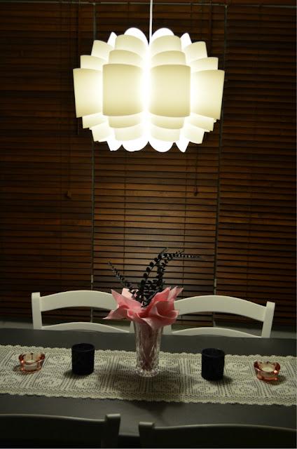 Pinkki musta harmaa valkoinen vaaleanpunainen keittiö sisustus