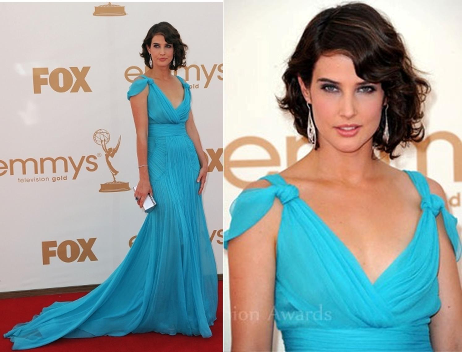 Макияж под синее платье в цветочек