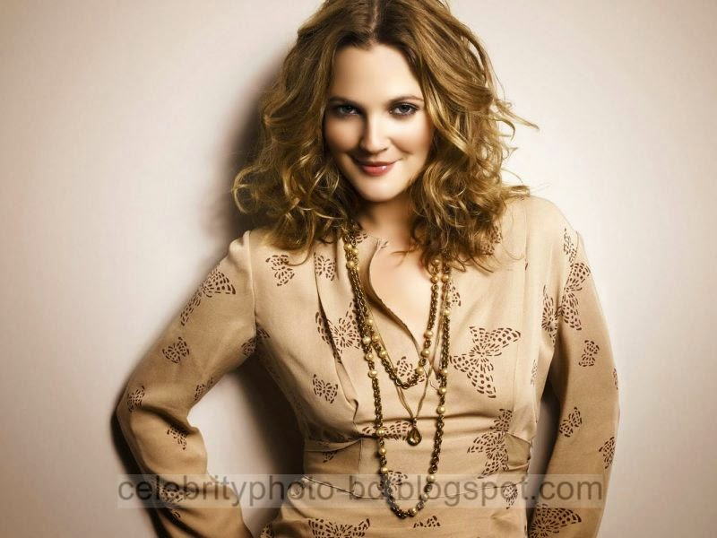 Drew+Barrymore+Latest+Hot+Photos+With+Short+Biography010