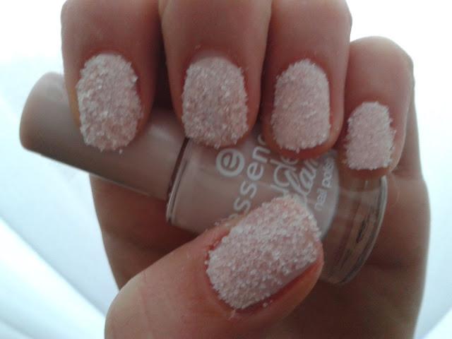 xnailpolishh: Snow nail art