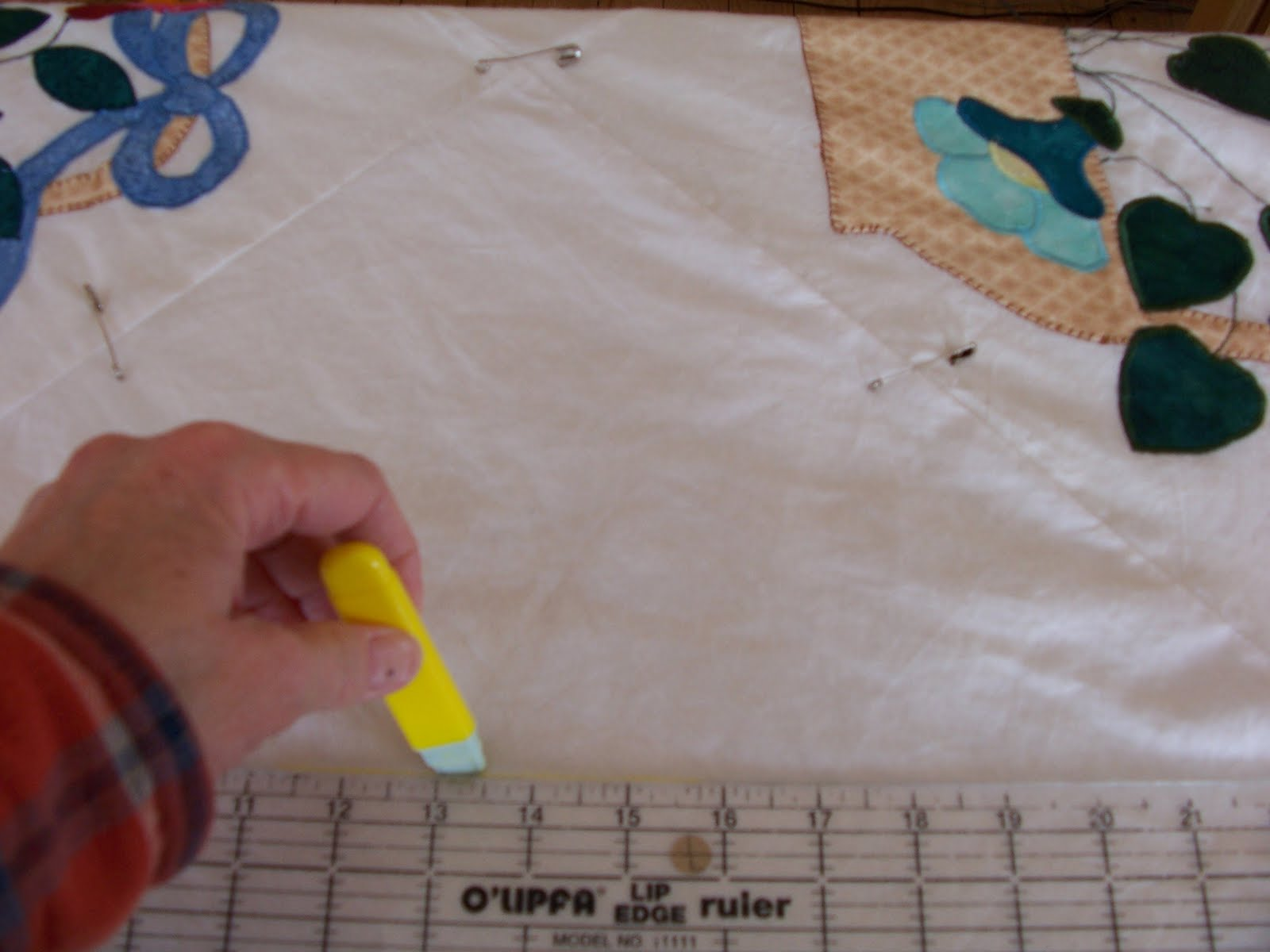 Drawing Lines For Quilting : Michigan loony loomer drawing a line design for quilting