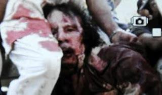 foto Kaddafi muerto