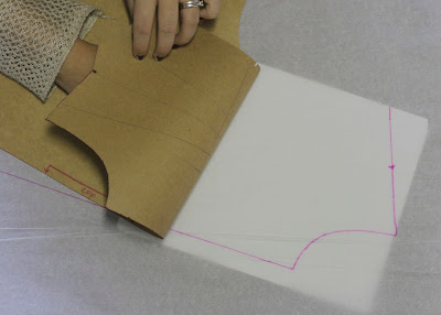 Julia Bobbin - Tutorial: How to move darts - Bodice front