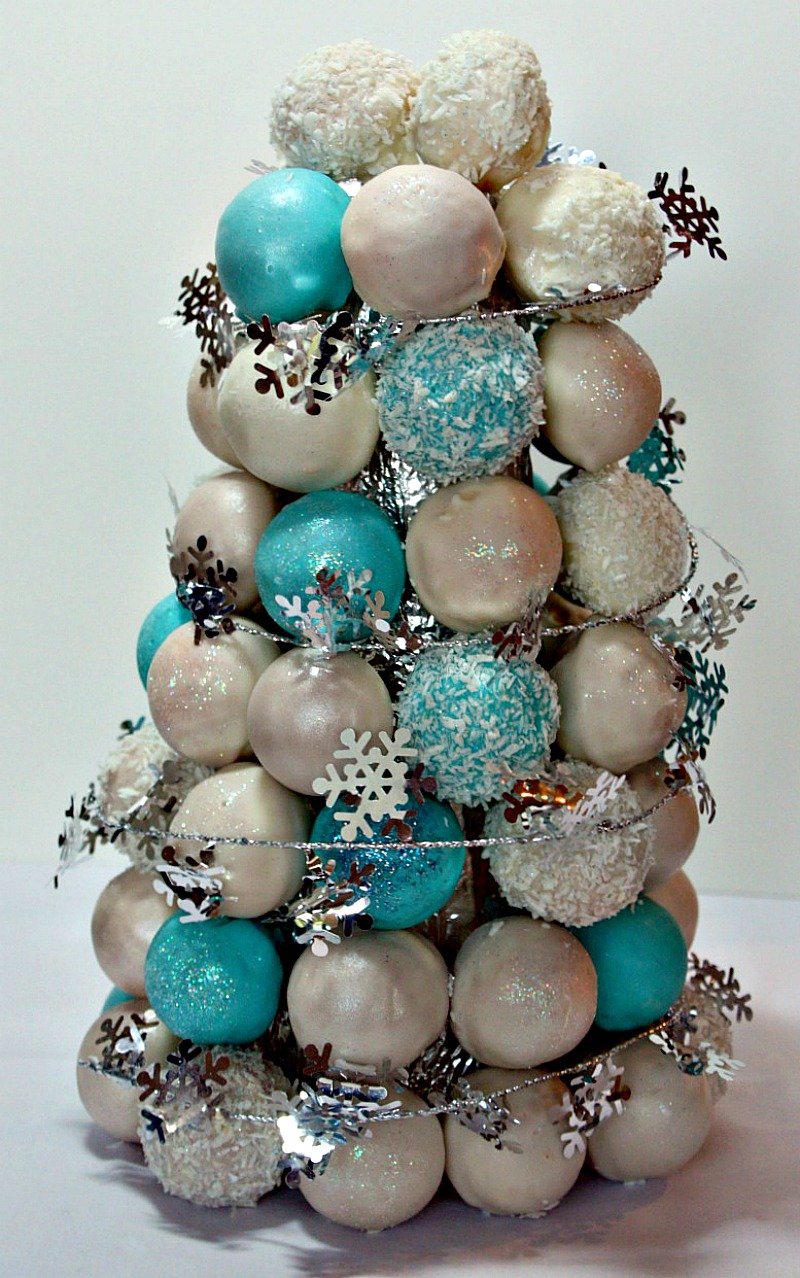Decorating Cake Pops With Glitter : Vanilla Clouds and Lemon Drops: The 12 Days of Christmas ...