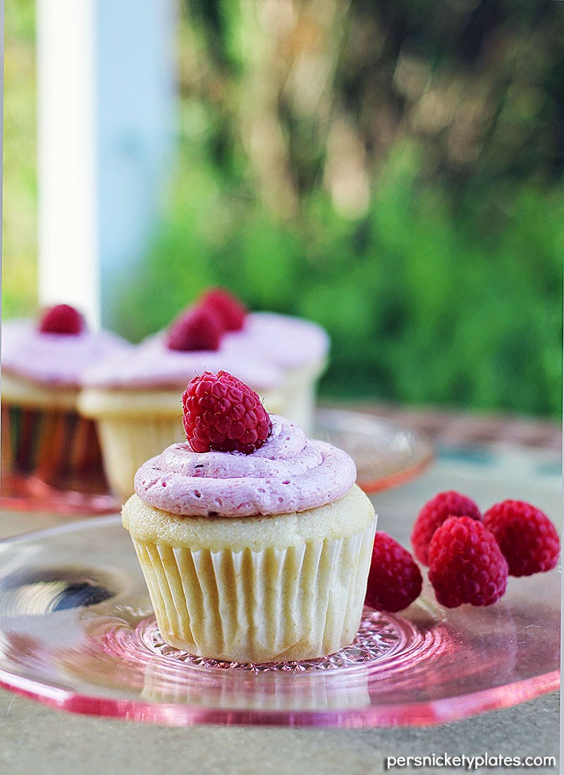 Lemon Cupcakes with Raspberry Buttercream Frosting | Persnickety Plates