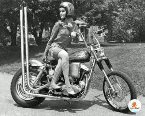 Anniversaire de Spring DP-motorcyle-chopper-girl