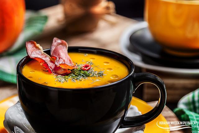 zupa dyniowa, zupa ziemniaczana z dynią, zupa z dyni, krem dyniowy, krem warzywny, zupa jesienna, krem ziemniaczany, krem z ziemniaków, zupa dyniowo ziemniaczana, zupa wegetariańska, pomysł na dynię, pomysł na ziemniaki, kraina miodem płynąca