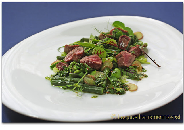 Gemüse-Bärlauch-Salat mit Lamm