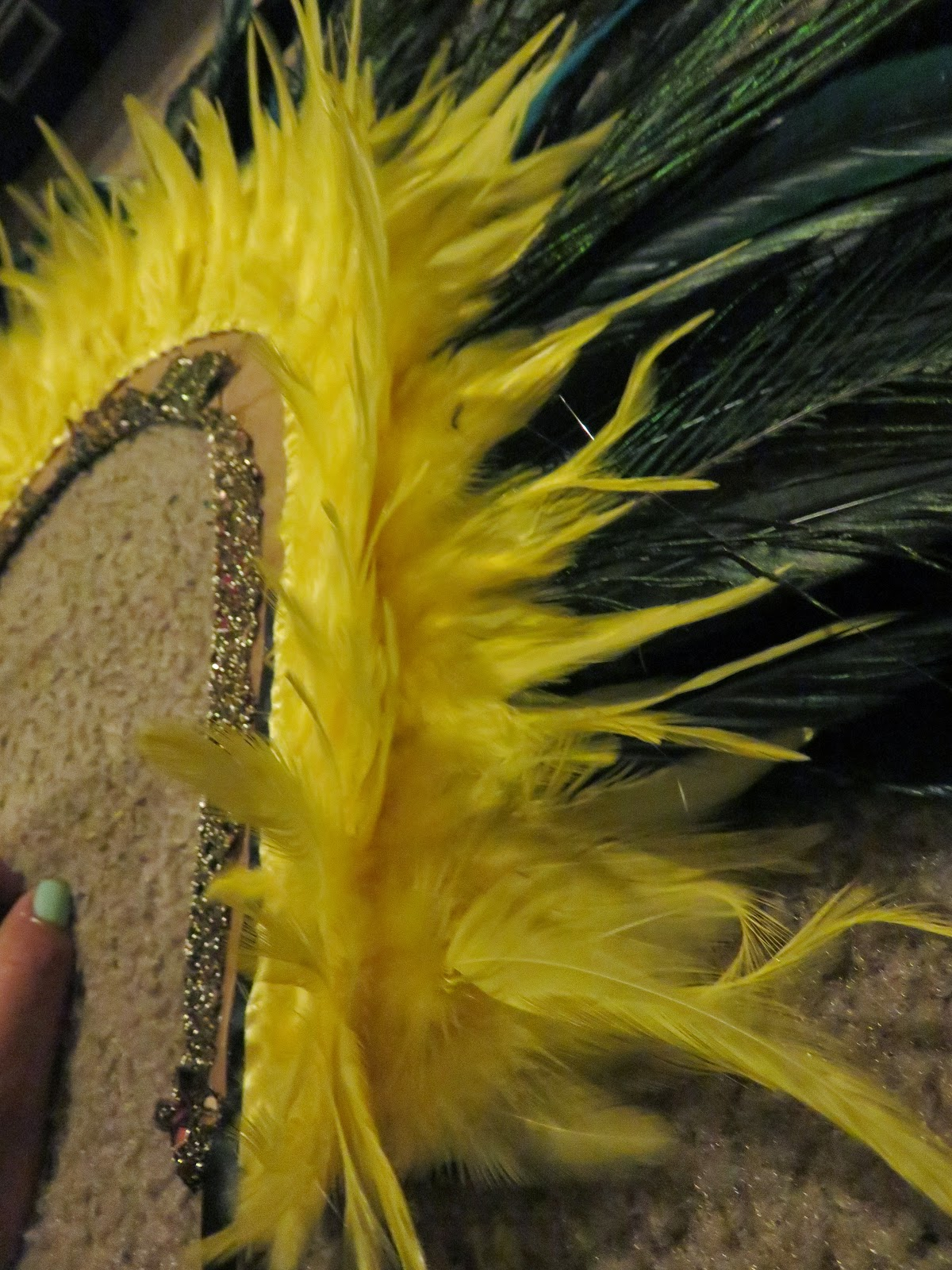 how to do feather cut at home