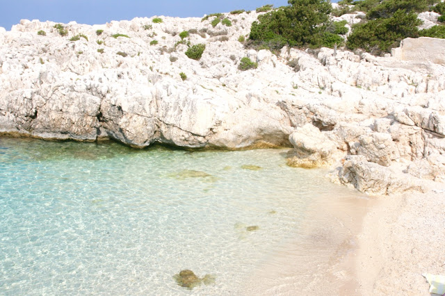 Katherine Penney Chic Blogger Travel Lifestyle Holiday Summer Kefalonia Beautiful Crystal Sea Amazing View