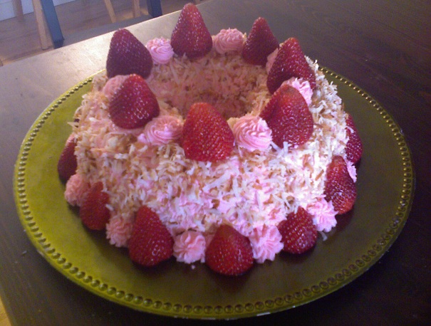 strawberry, cocounut, butter cream frosting, bundt cake