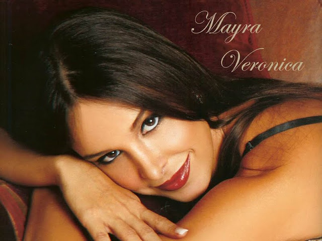 model Mayra Veronica