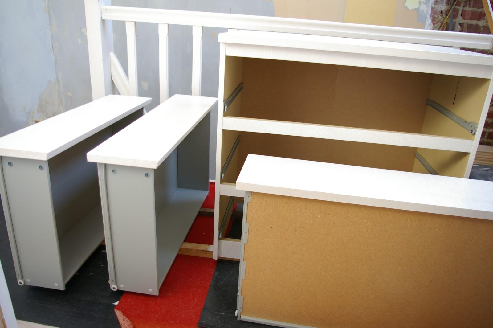 Diy peindre des meubles en m lamin s - Comment rehausser un meuble ...