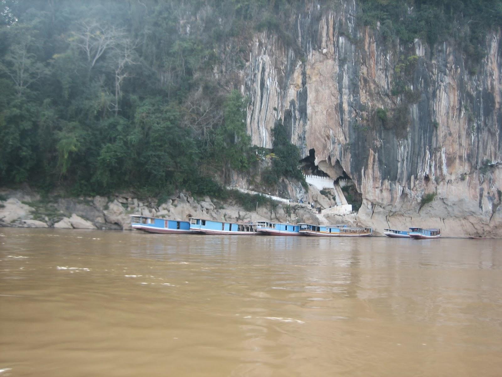 pak-ou-caves-laos-mekong-river